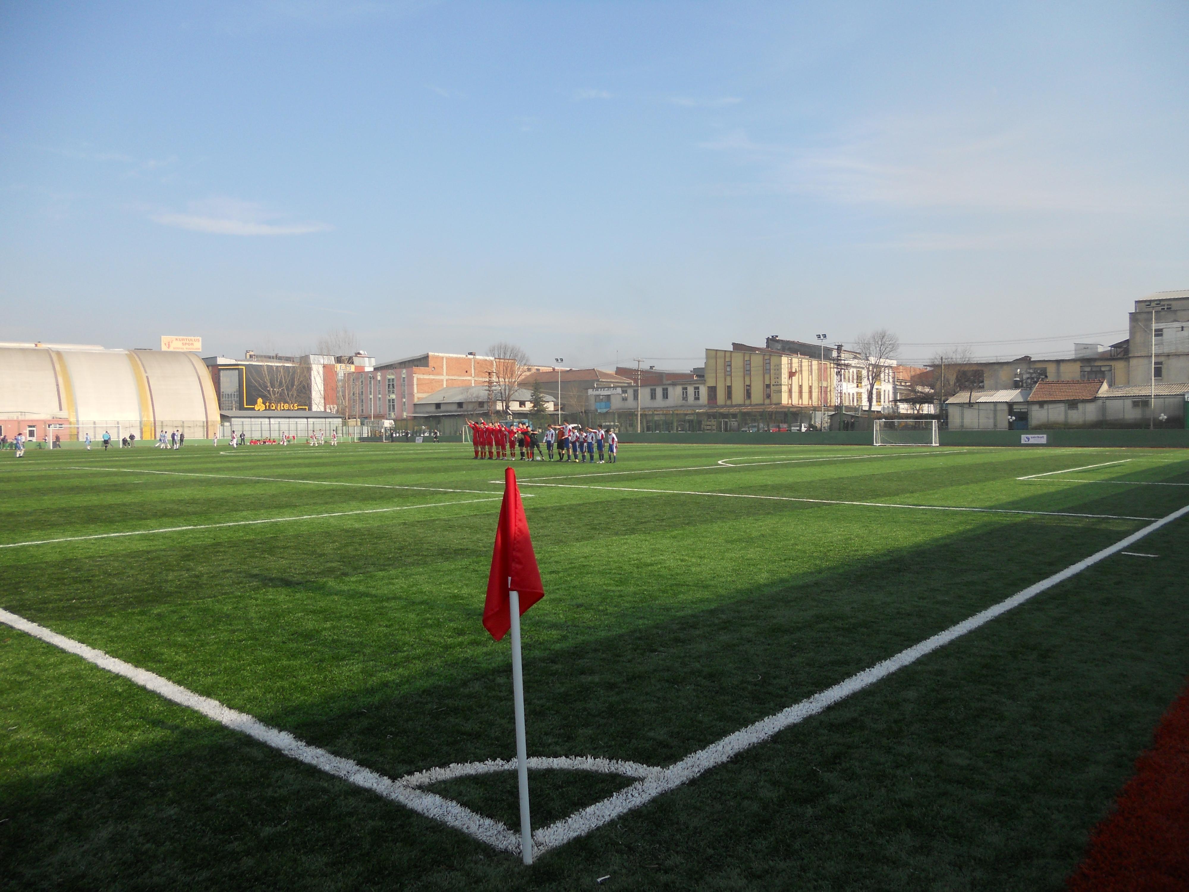 İnegol-Belediyesi-Standart-Futbol-Sahasi-No-2